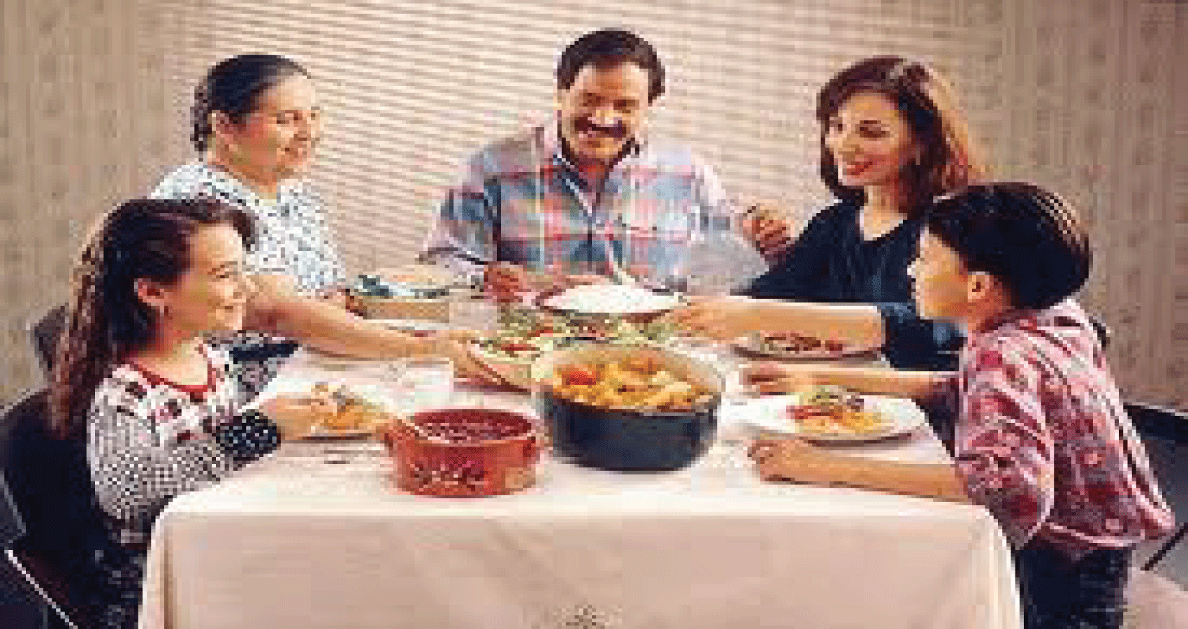 Study Highlights Importance, Complexities Of Family Mealtimes