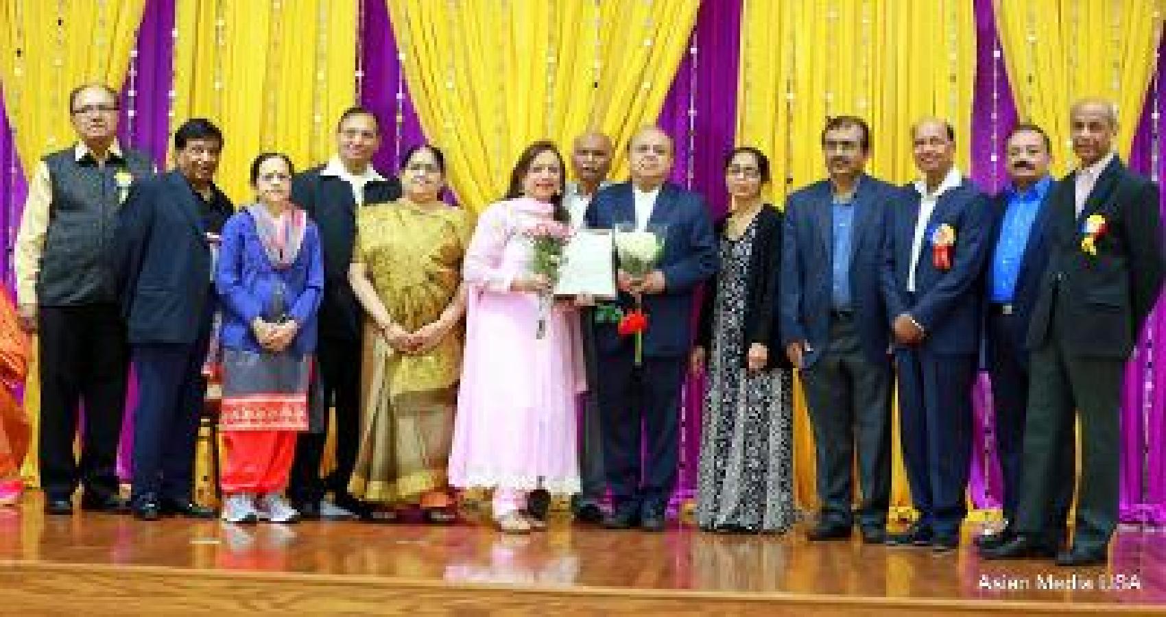 Gujarati Seniors of Chicago Honor Dr. Mehboob Kapadia for Covid-19 Vaccination Camps