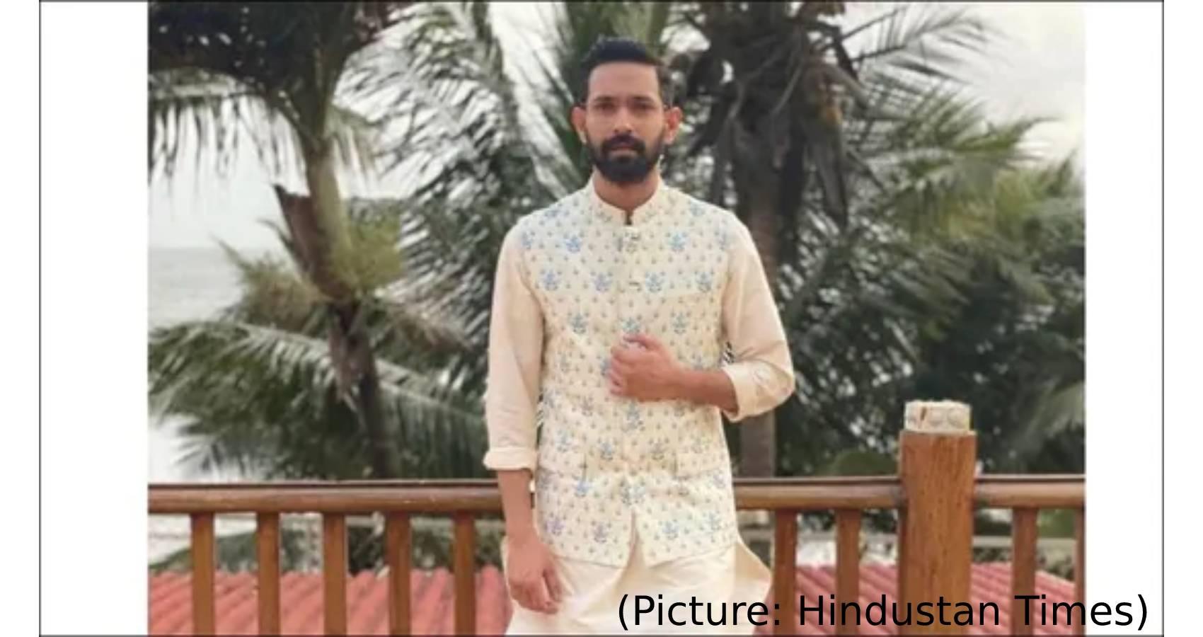 Vikrant Massey Lays Ethnic Fashion Goals For Men In ₹14k Bandi,Cream Kurta Set